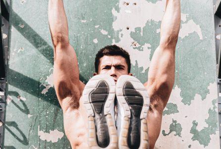 Picie wody podczas treningu zwiększa sportowe wyniki