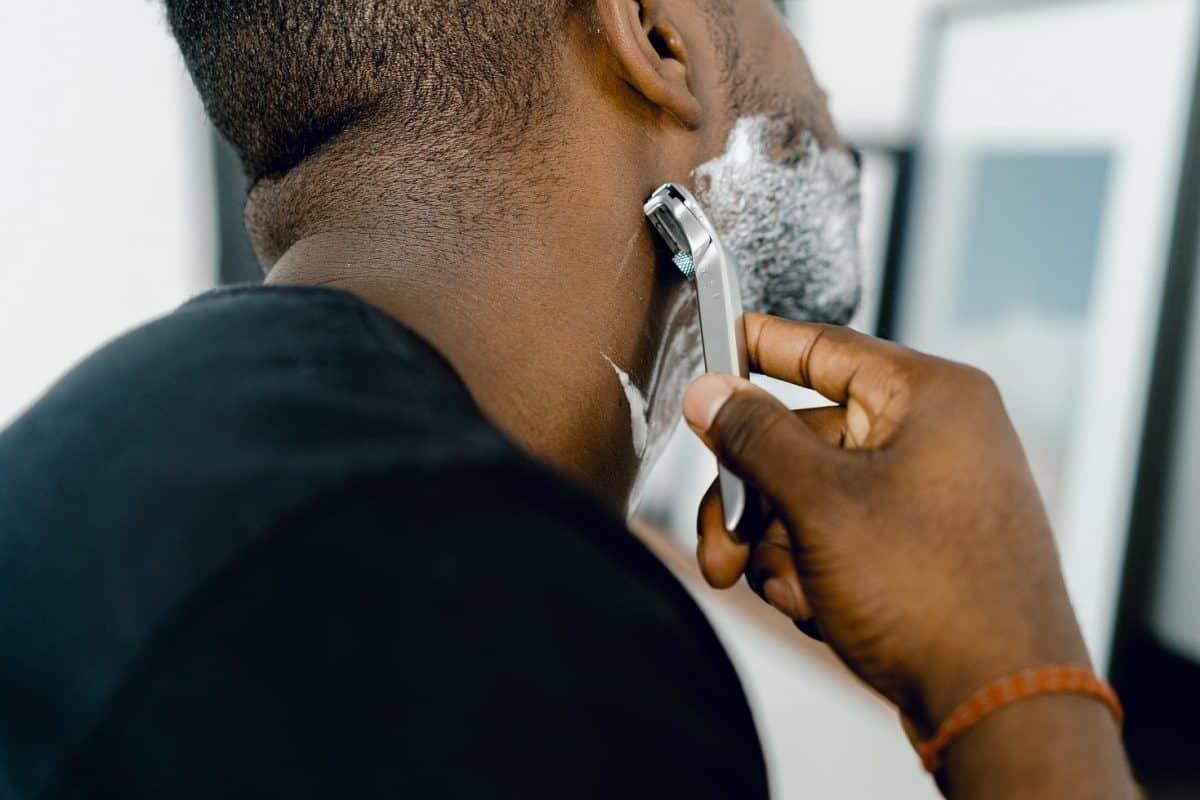 Balsam po goleniu – dlaczego warto go używać i czym kierować się przy jego zakupie?