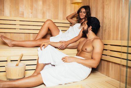 Sprawdź, jak sauna wpływa na urodę i zdrowie oraz w jaki sposób powinno się z niej właściwie korzystać