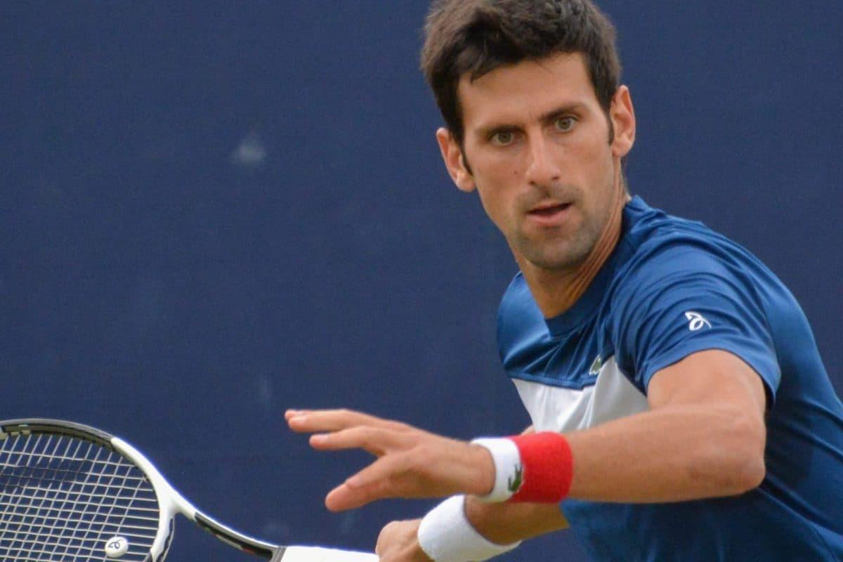 Novak Djoković zwycięża w wielkim stylu, a my sprawdzamy szafę mistrza