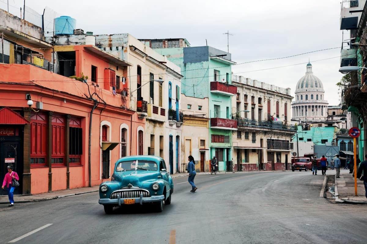 Męski must-have na lato przeniesie Cię do upalnej Havany