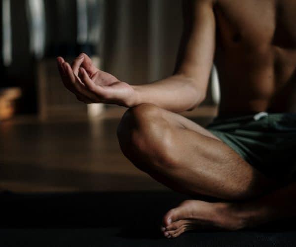 Chcesz zacząć trenować jogę? Oto 4 powody, które potwierdzą, że to dobry pomysł
