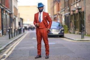 Jak dbać o garnitur, by długo prezentował się nienagannie?