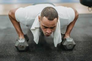 Dlaczego oddychanie jest tak ważne podczas treningu i jak robić to prawidłowo?