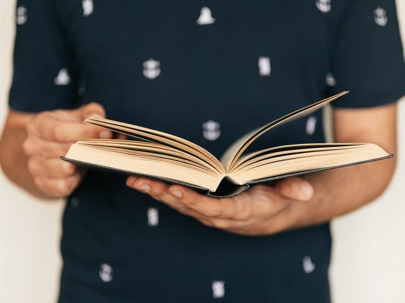 4 książki o męskiej modzie, które warto mieć w swojej biblioteczce